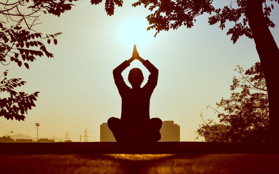 Efectos del Yoga sobre el estrés percibido y la frecuencia cardíaca